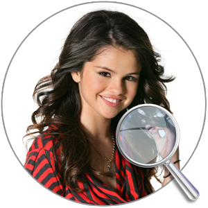 Find Differences: Selena Gomez
